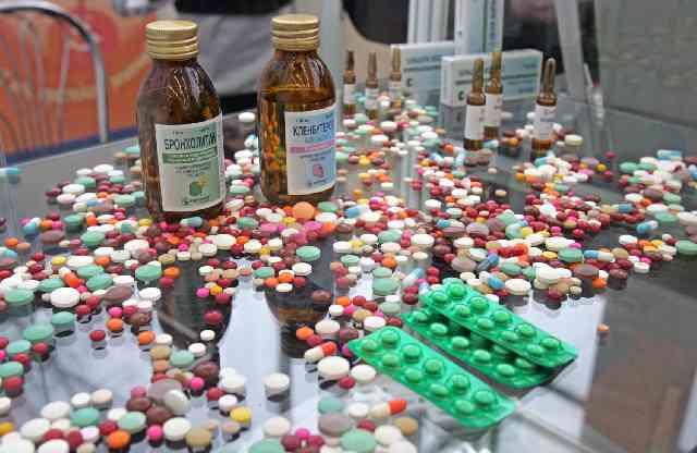 Одно лечим, другое калечим, ученые нашли еще один побочный эффект противоретровирусных препаратов