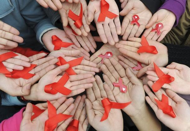 Как достучаться до общества с проблемой ВИЧ