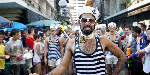Тайские власти борются с ВИЧ среди геев