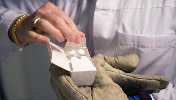 Роспотребнадзор: разработка вакцины от Эболы в России дает результаты