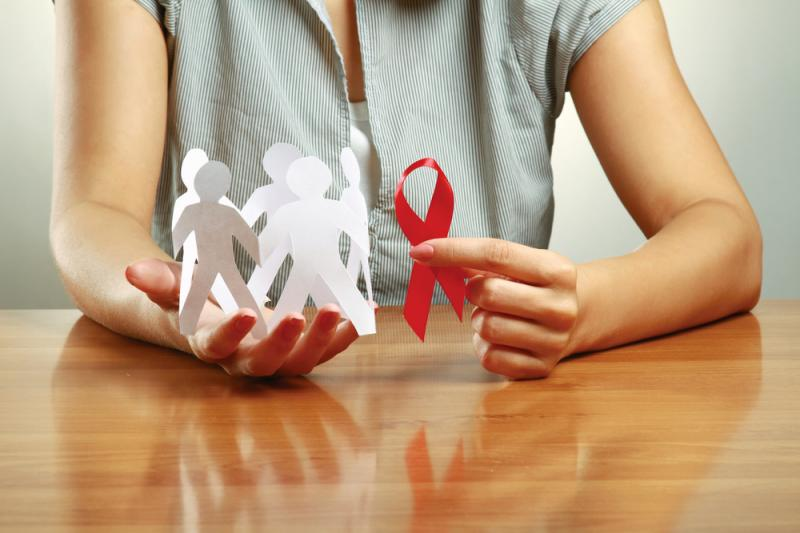 Риск вертикальной передачи ВИЧ в Москве составил менее 1%
