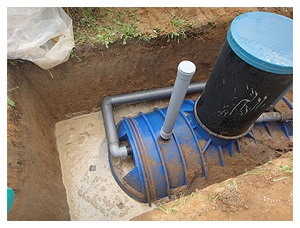 Высокий уровень грунтовых вод и емкость для выгребной ямы