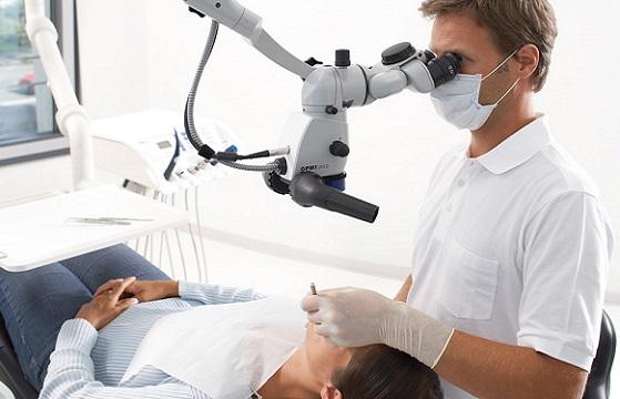Показания для проведения лечения зубов под микроскопом