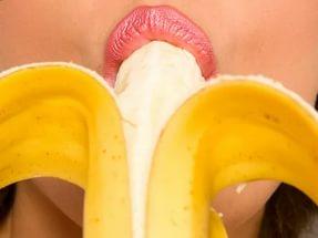 Исследование: ВИЧ можно заразится во время орального секса через миндалины