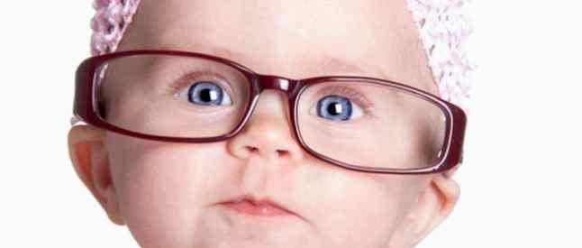 Признаки проблем со зрением у ребенка