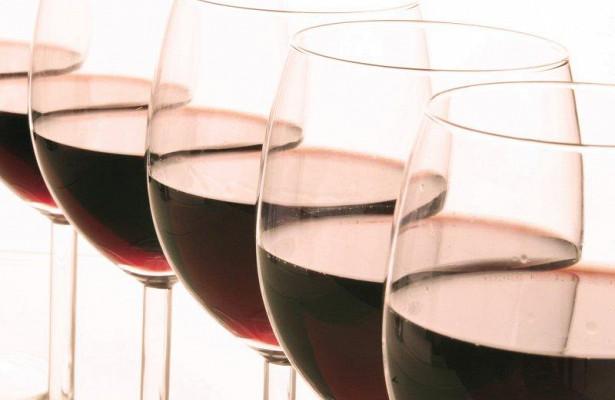 Иммунная система мозга может провоцировать тягу к алкоголю