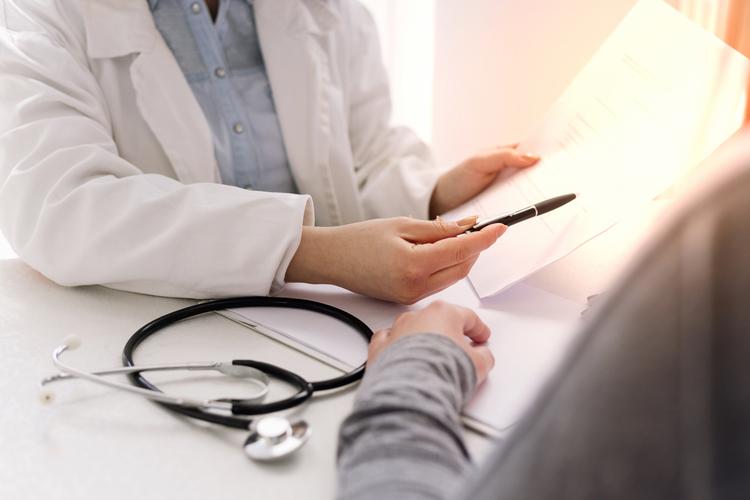 В половине мира первичный прием врача длится не более пяти минут