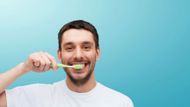 Зубная щетка может защитить человека от гриппа