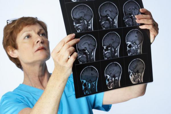Чем опасен менингит и как его лечить?