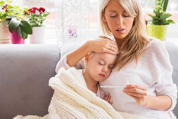При каких симптомах ребенку нужно срочно вызывать врача
