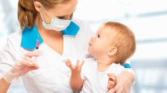 Суд заставил маму-вегана провести детям вакцинацию