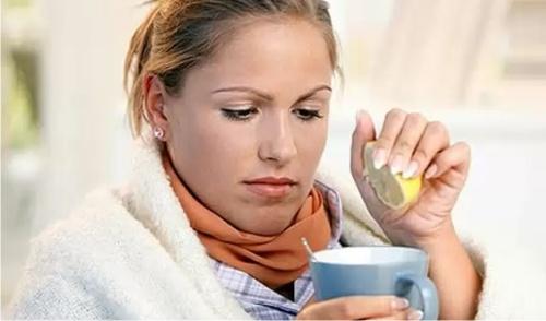Врачи назвали 15 лучших напитков при простуде