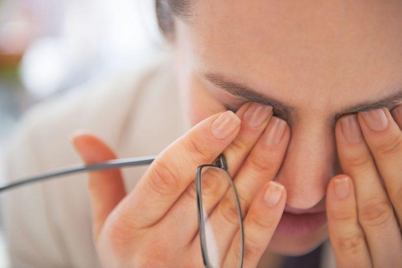 Лечение роговицы глаза с использование услуги кросслинкинг
