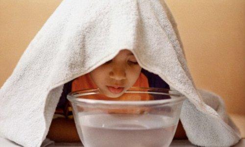 Врачи не рекомендуют лечить простуду горячей водой