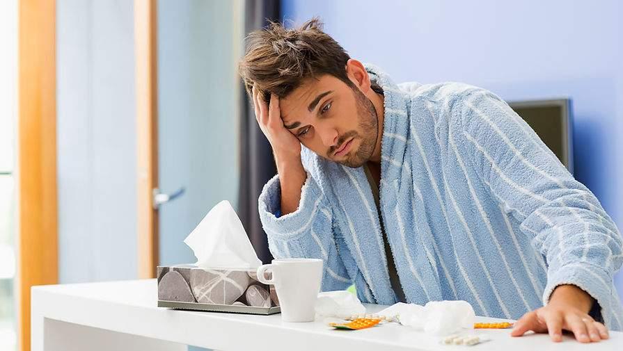 Медики опровергли распространенные заблуждения о гриппе и простуде