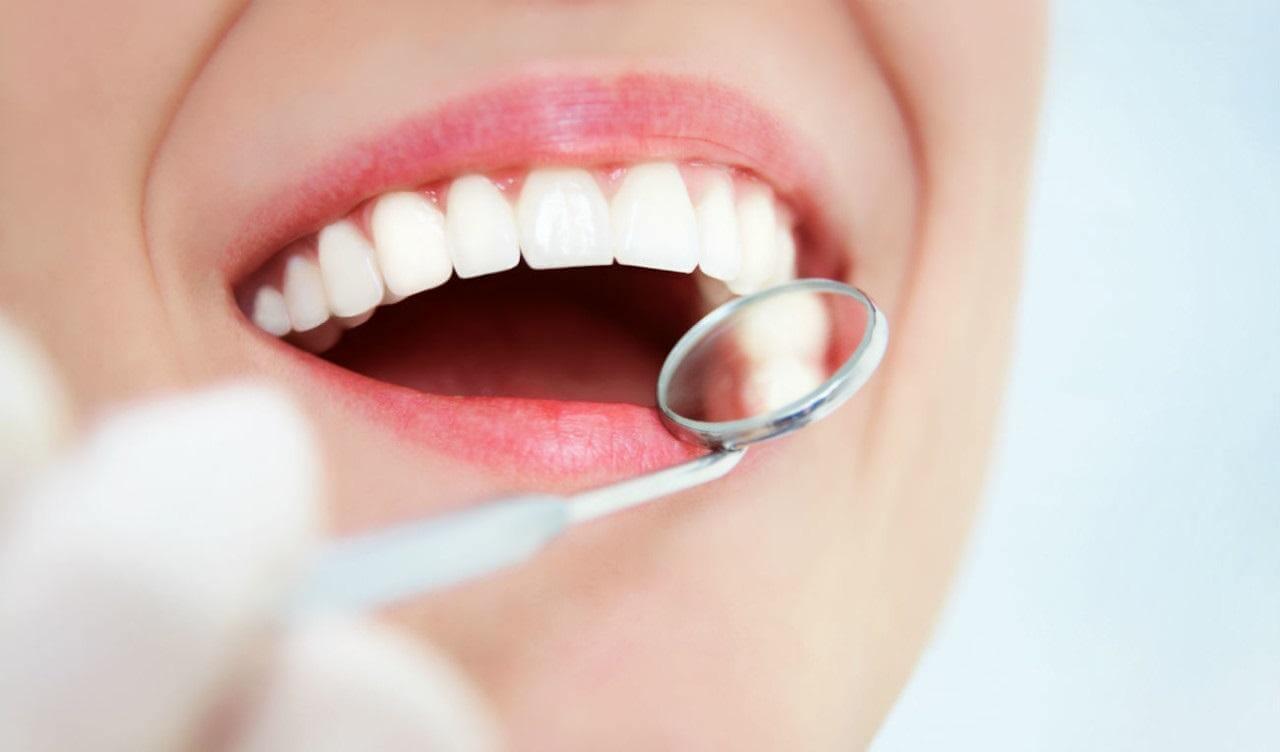 Как проводится протезирование зубов методом базальной имплантации