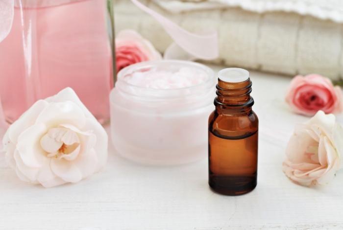 Смесь эфирных масел для кожи с «разорванными» капиллярами