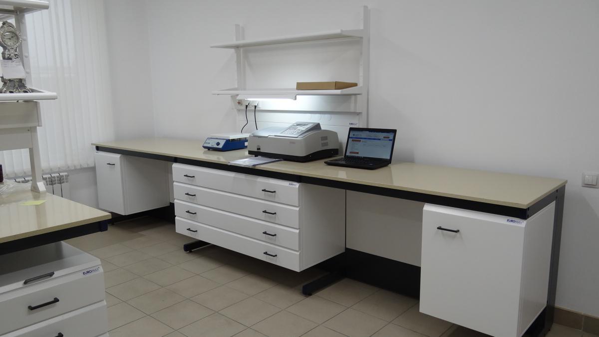 Специальная мебель для лабораторий