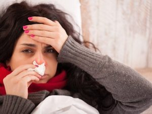 Врачи назвали главные ошибки в лечении гриппа и простуды