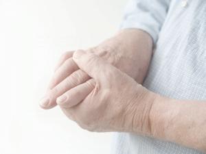 Артрит: симптомы, лечение