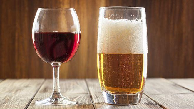 Почему женщинам вредно употреблять спиртное