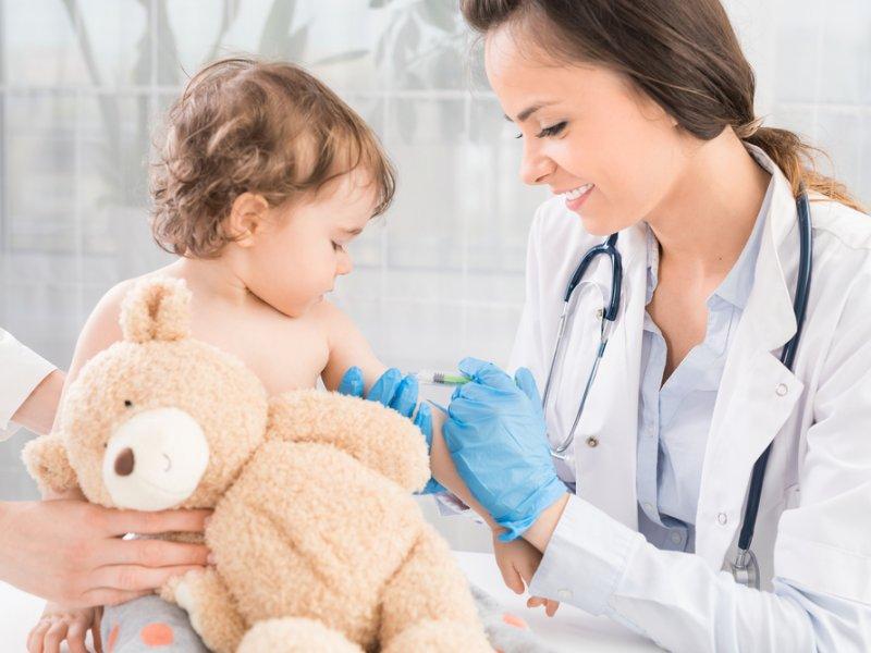 Как подготовить малыша к прививке, чтобы не было осложнений