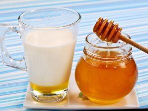 Мед с молоком: главная опасность при простуде