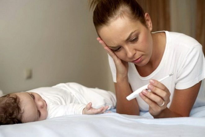 Если мама заболела ОРВИ, как не заразить ребенка: 6 правил