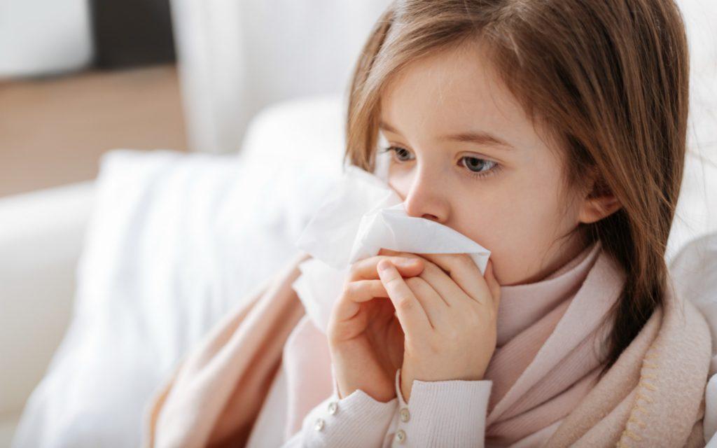 Вирусные инфекции горла и носа: лечение медикаментами и народными методами
