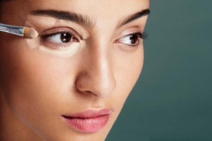 Использование консилера, пудры и бронзера в ежедневном макияже