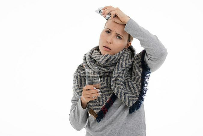 Терапевт назвал хронические заболевания, которые обостряет холод