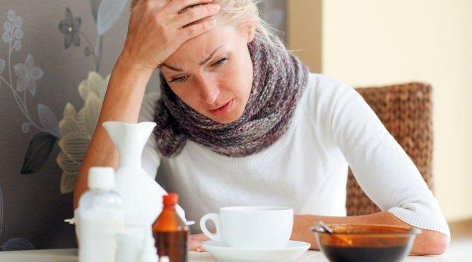 Медики рассказали, что есть при простуде