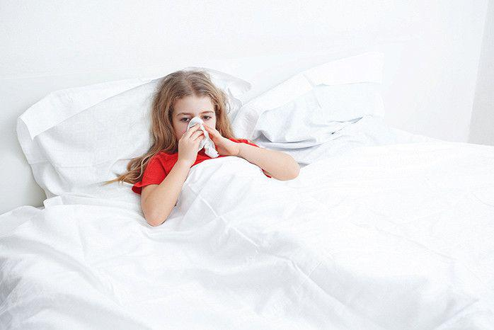 Чем опасна простуда — осложнения у детей