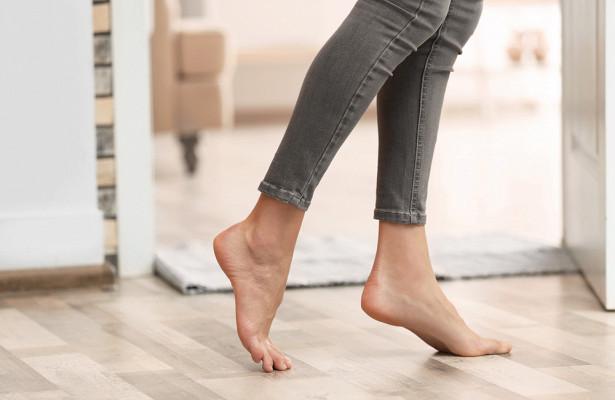 Вечно холодные ноги: шесть привычек, которые «убивают» иммунитет