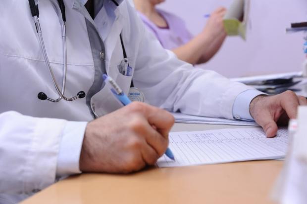 Медики объяснили, как распознать у себя коронавирус