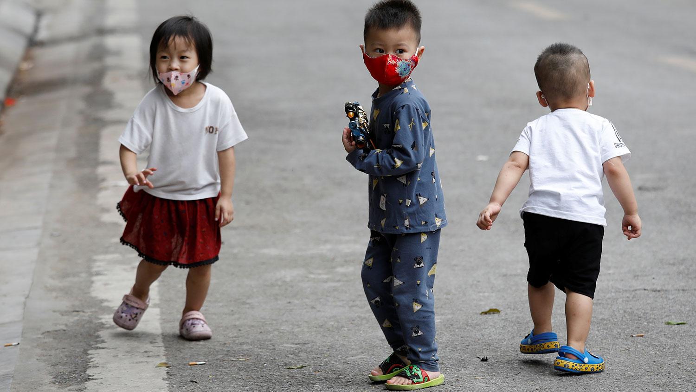 Врач Евгений Комаровский назвал симптомы коронавируса у детей