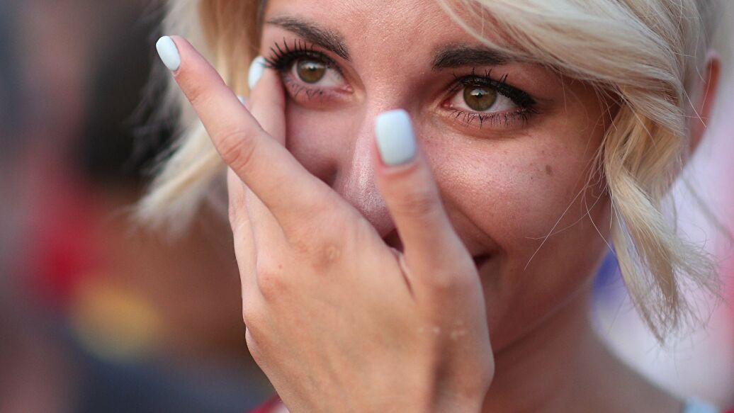 Коронавирус может передаваться через глаза и слезы