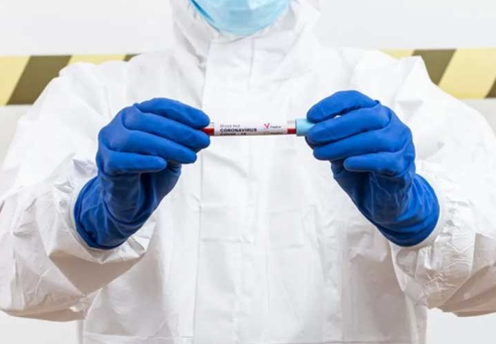 Ученые выяснили, как долго сохраняется иммунитет против коронавируса