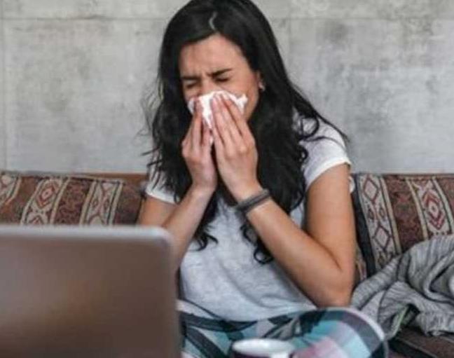 Иммунолог рассказал, как не заразиться коронавирусом от членов семьи