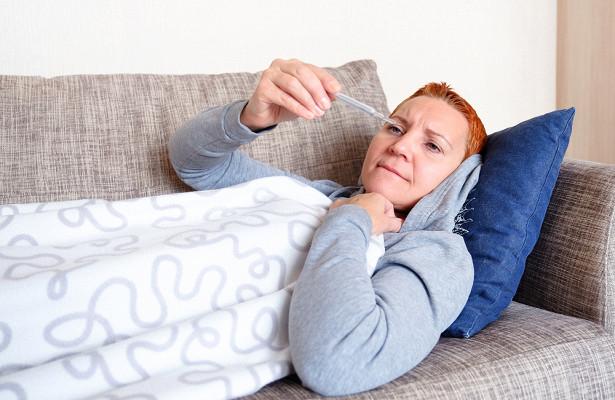 Врач назвала причины высокой температуры без симптомов ОРВИ