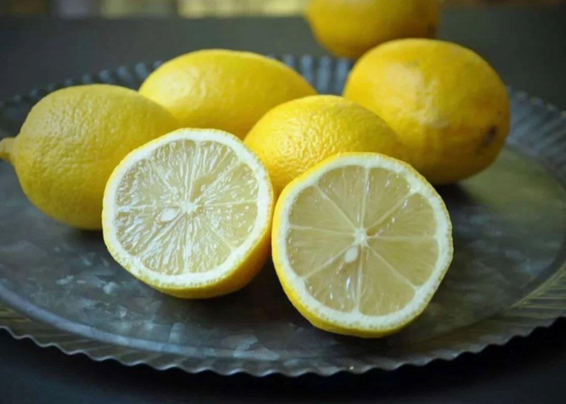 Иммунолог Логина: как в действительности влияют на иммунитет лимон и чеснок?